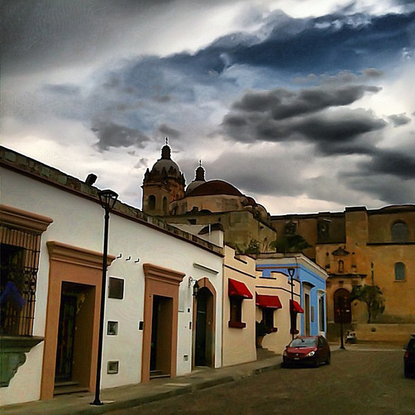 #Oaxaca streets, all colors of paint represent! #mexico