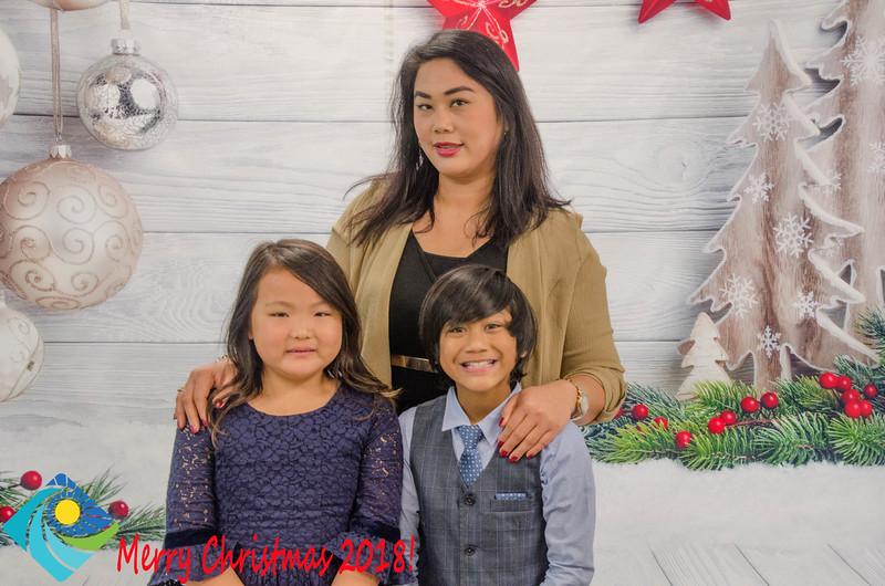 Christmas Photobooth 2018 Sunday-165.jpg