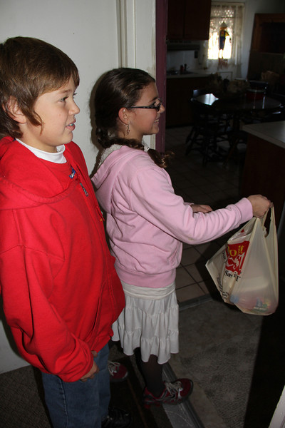 Thanksgiving Dinner Deliveries, Salvation Army, Tamaqua (11-22-2012)