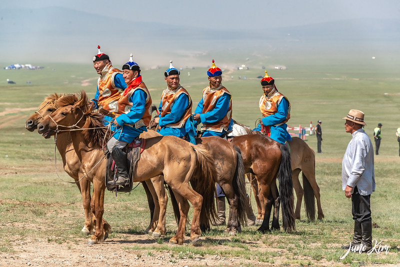 Horse racing__6109007-Juno Kim.jpg