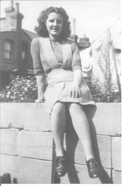 alice-1947.jpg
