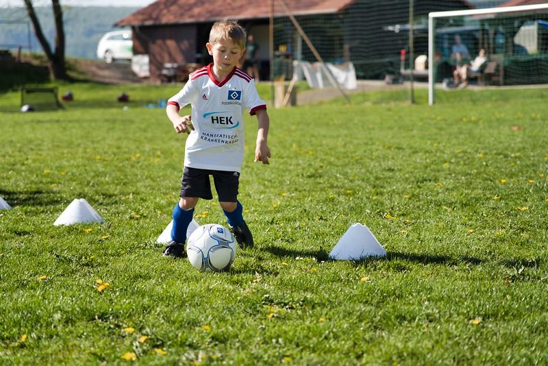 hsv-fussballschule---wochendendcamp-hannm-am-22-und-23042019-u20_46814452915_o.jpg