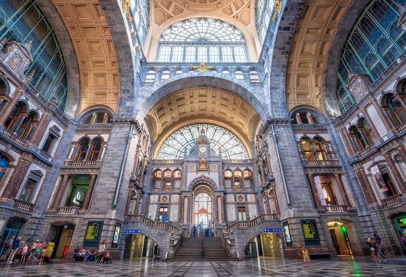 Antwerp-Station-Hall.jpg