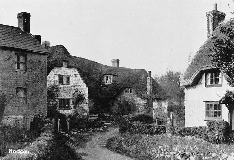 Chalk block cottages with footpath that ran to the Smithy 1930s
