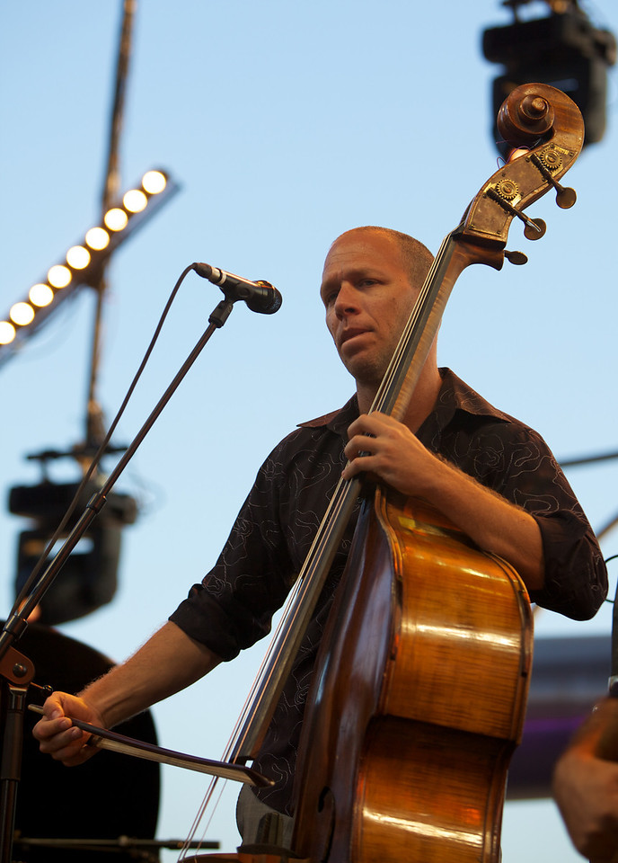 Avishai Cohen at Jazz à Juan 2010 1<br /> Avishai Cohen in concert at Jazz à Juan 2010
