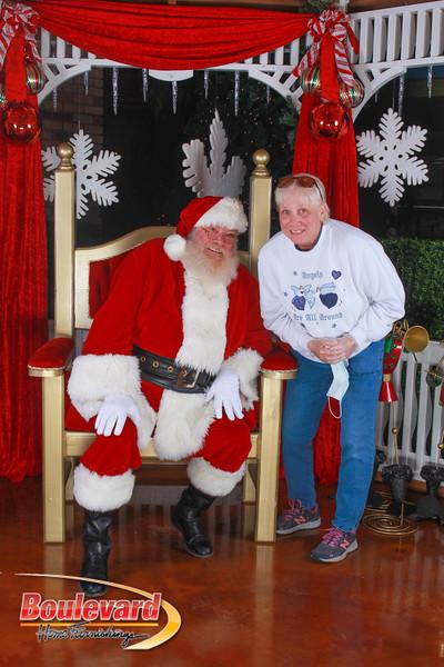 Santa 12-10-16-378.jpg