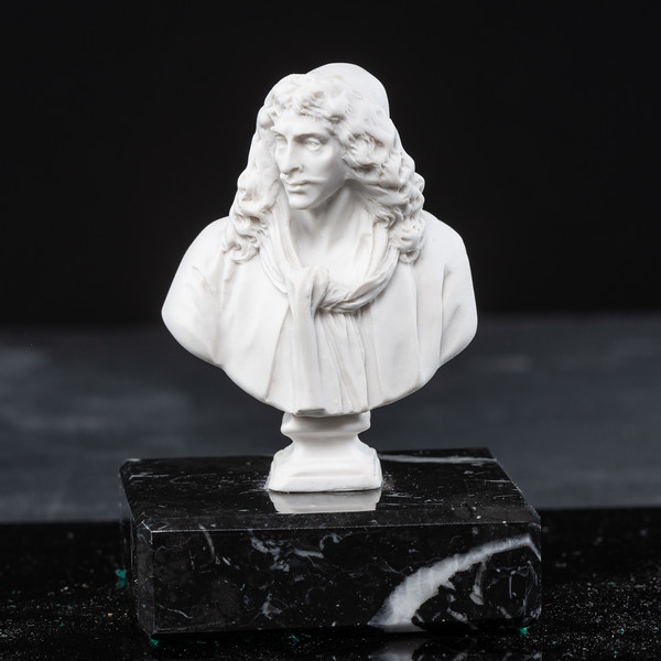 Statue-8-520.jpg