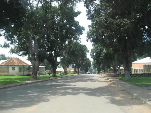 Rua em frente aos escritórios que descia para o Armazem