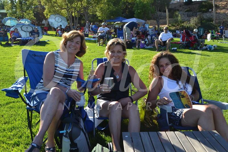 Mayor Terry Walker, Pam Stumbaugh and Tracey Levin.JPG