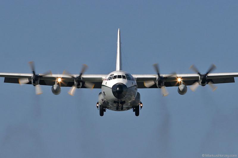 7T-VHL C130 Hercules Air Algerie Cargo @ Geneva Switzerland 23Aug03