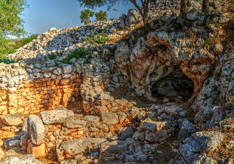 08_19 manon ruins cave DSC04585_Vibrant.jpg