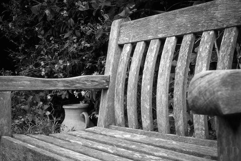Garden seat with pot
