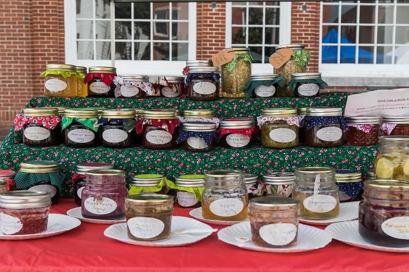 Farmington holds its annual Hay Day Celebration on Main Street in Farmington Saturday. [Scott Patterson/Fosters.com]