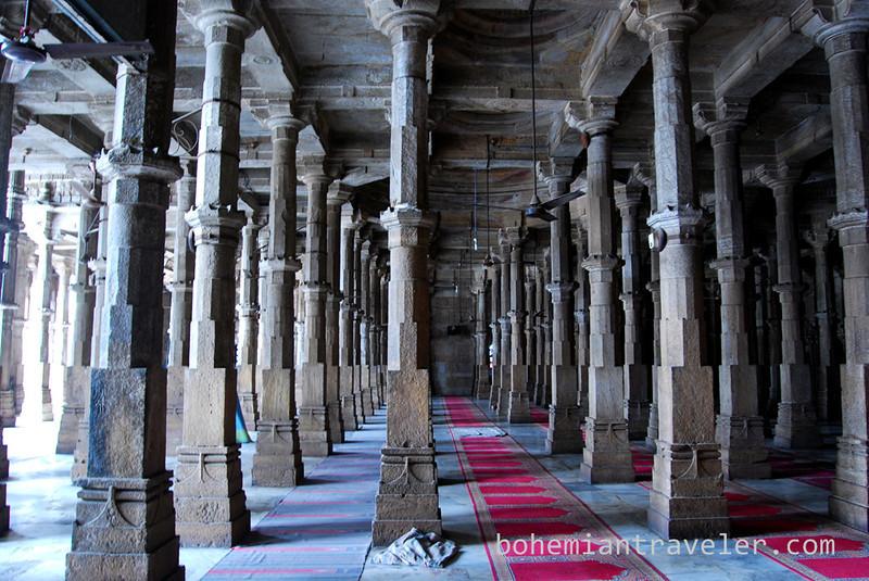 inside Jami Masjid Mosque (1427) Ahmeabad Gujarat India.jpg