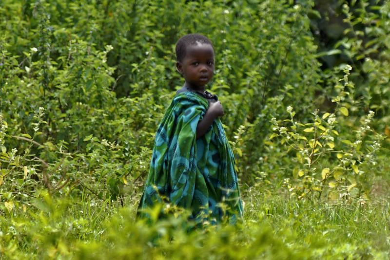 070104 3495-B Burundi - Bujumbura - Neighbourhood near Peace Village _E _L ~E ~L.JPG