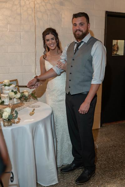 Candice and Brett-1002.jpg