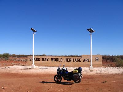AU #11 Shark Bay World Heritage , Monkey Mia and Dolpins!
