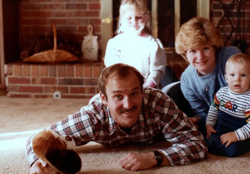 1984_November_Maren_Birthday_and_Christmas_photo__0018_a.jpg