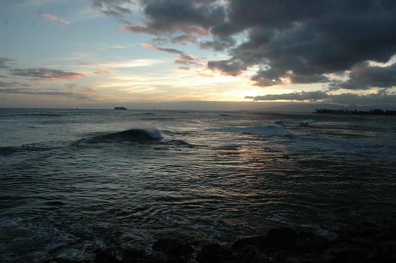 Hawaii - Ala Moana Beach Sunset-65.JPG