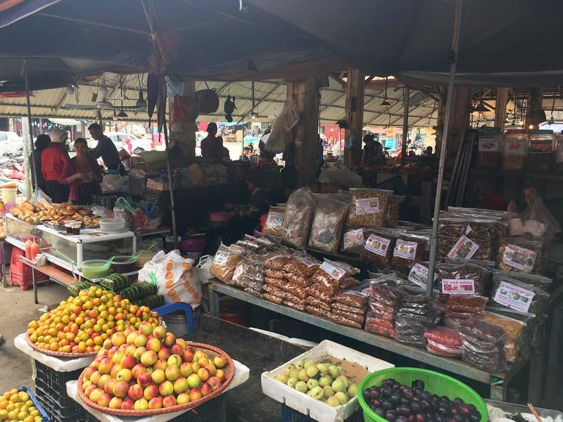 Food Market- things to do in Hanoi, Vietnam