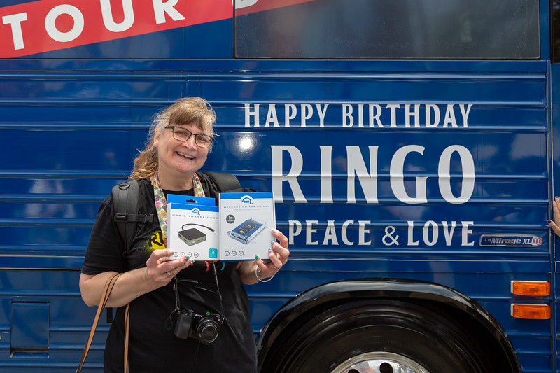 2019_07_07, Birthday, CA, Capitol Records, Los Angeles, Ringo, Giveaways, OWC, Bus, Exterior