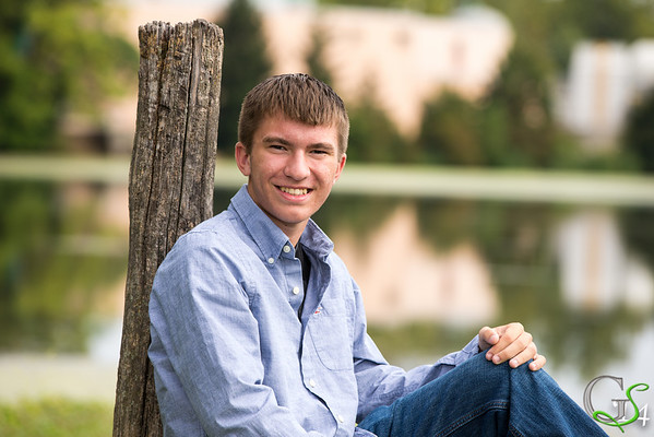Tyler C Trimmer Senior pictures