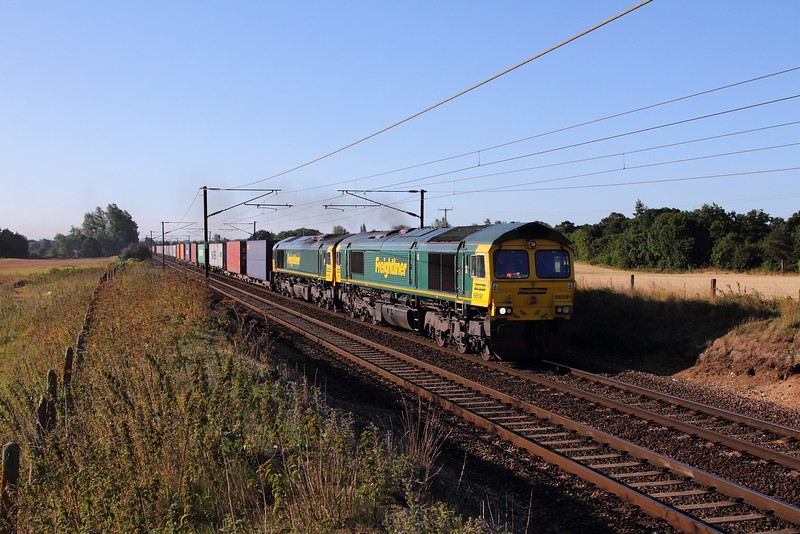 66591+66955 on the 0550 Felixstowe to Leeds at Baylham on the 4th August 2015.JPG