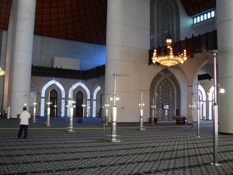 Sultan Salahuddin Abdul Aziz Mosque, known as The Blue Mosque in Shah Alam Malaysia (14).JPG