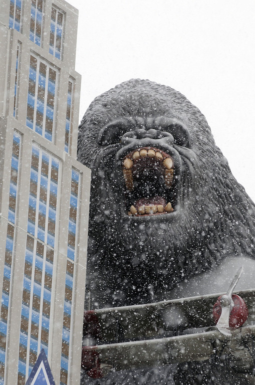 . Snow falls at the Hollywood Wax Museum in Pigeon Forge, Tenn., Wednesday, Feb. 12, 2014. The state of Tennessee has declared a state of emergency because of a winter storm that is expected to pound parts of the state with snow and ice. (AP Photo/The Mountain Press, Curt Habraken)