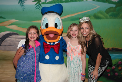 Donald Duck Photo-ops