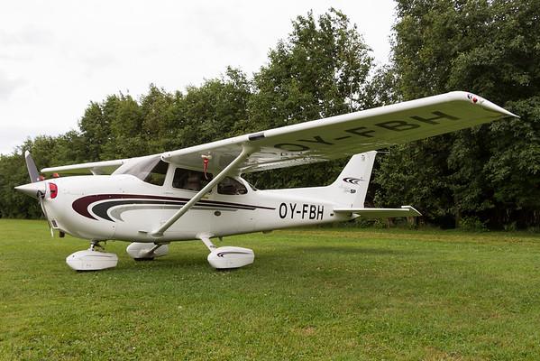 OY-FBH - Cessna 172S Skyhawk SP