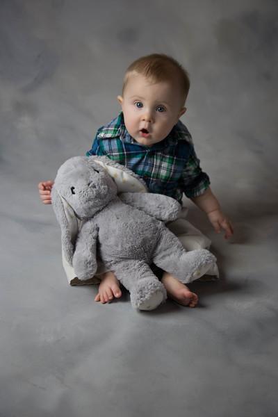 baby james 6 months-4.jpg