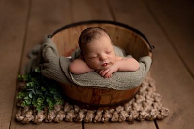 Alexandru • Newborn