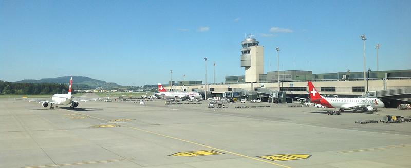 Der Flughafen Zürich kurz vor dem Abflug