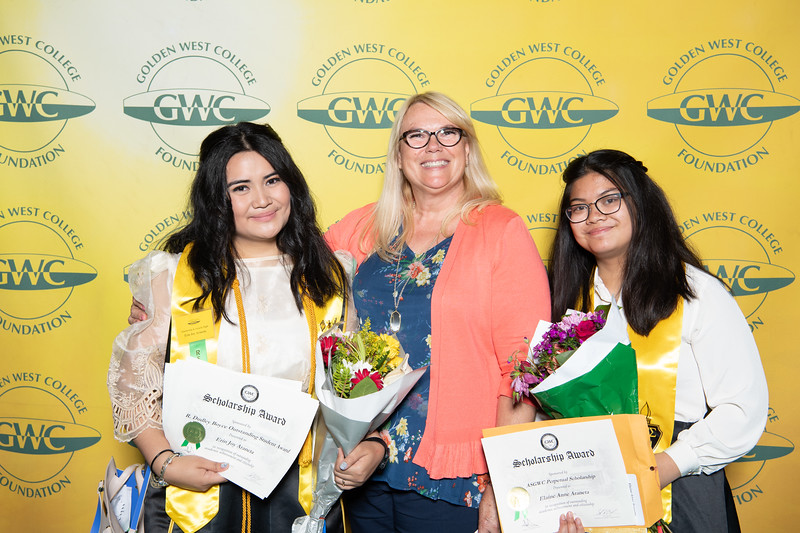 Scholarships-Awards-2019-0876.jpg