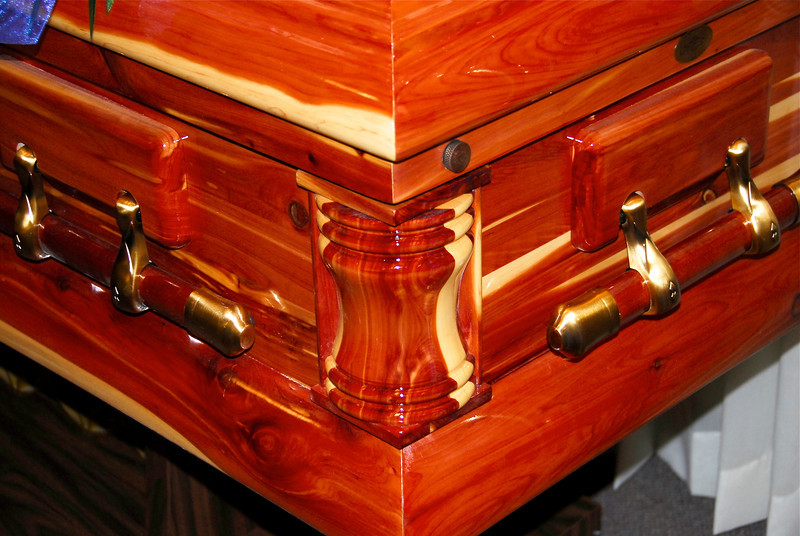 2011/11/17 – As we shopped for a casket for Raija, we came across this cedar casket. Raija kept her valuable possession in a cedar chest so we all thought it was appropriate to put our precious Mamma in a cedar chest. It was beautiful and smelled wonderful.