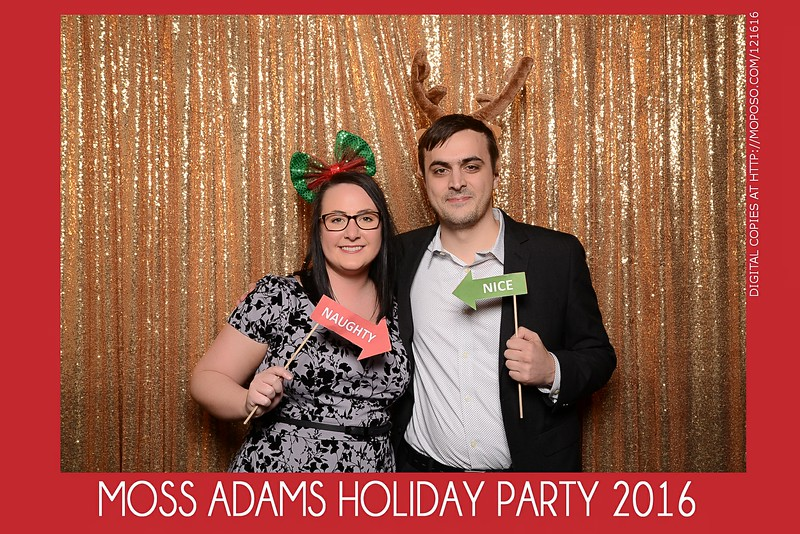 20161216_MOPOSO_Tacoma_Photobooth_MossAdamsHoliday16-65.jpg