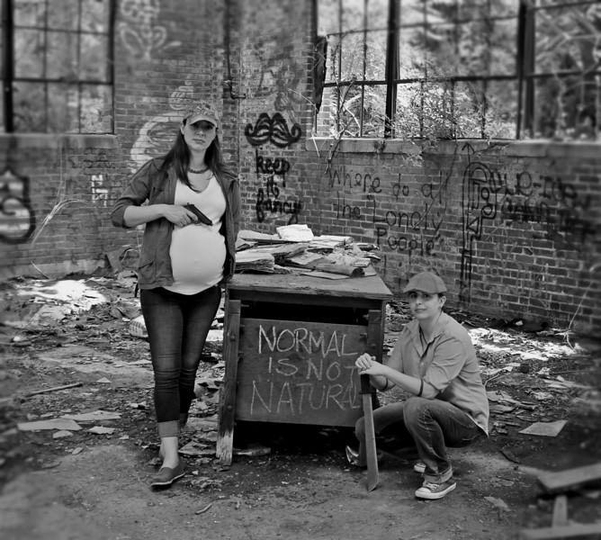 Awkward Pregnancy Photo #1
