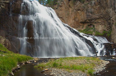 019-waterfall-yellowstone_park-10aug05-7815