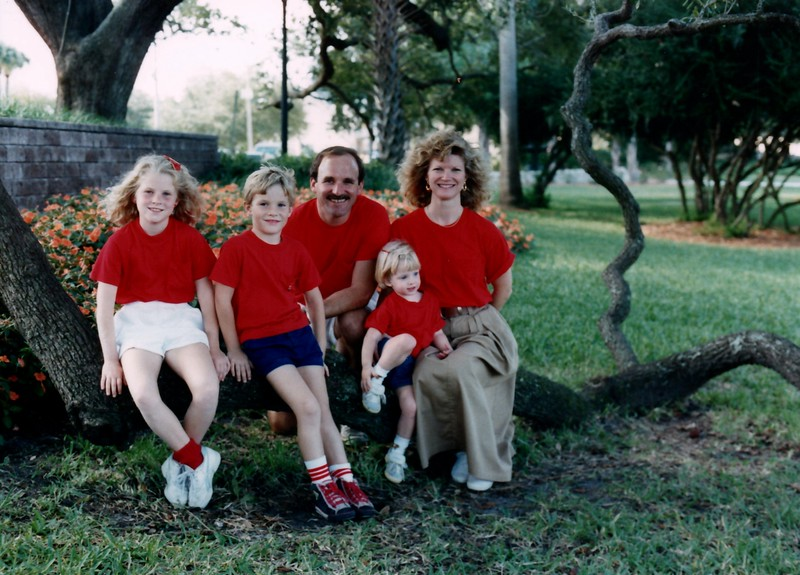 1989_December_Christmas_picture_sessions_in_orlando_0005_a.jpg