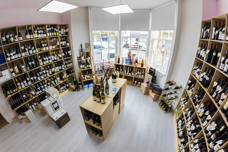 love-wine-shop-8575_26679385163_o.jpg