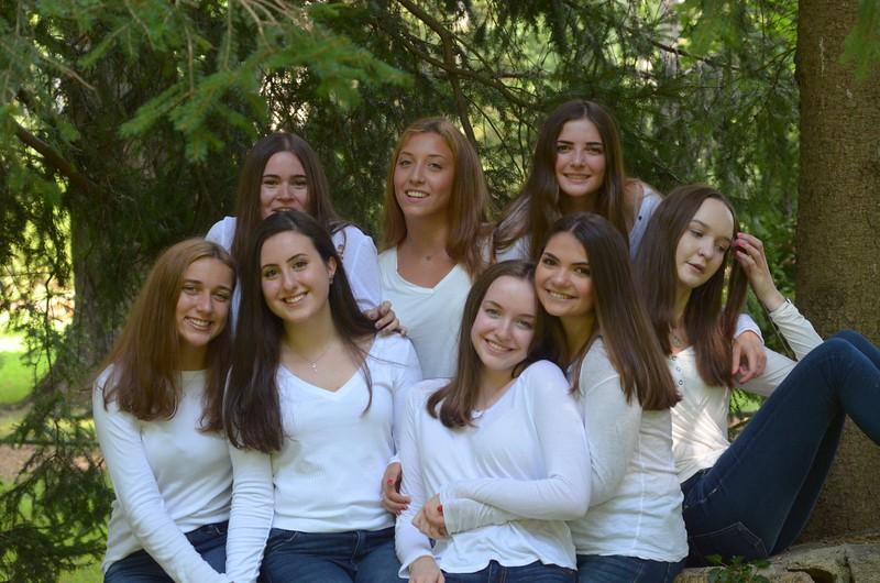 Julia Friend Group Pics - 75 of 308.jpg
