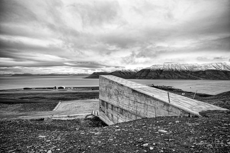8-29-16170036 Longysearbyen Svalbard.jpg