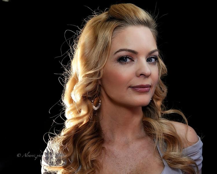 Professional model/actress Hollie Winnard