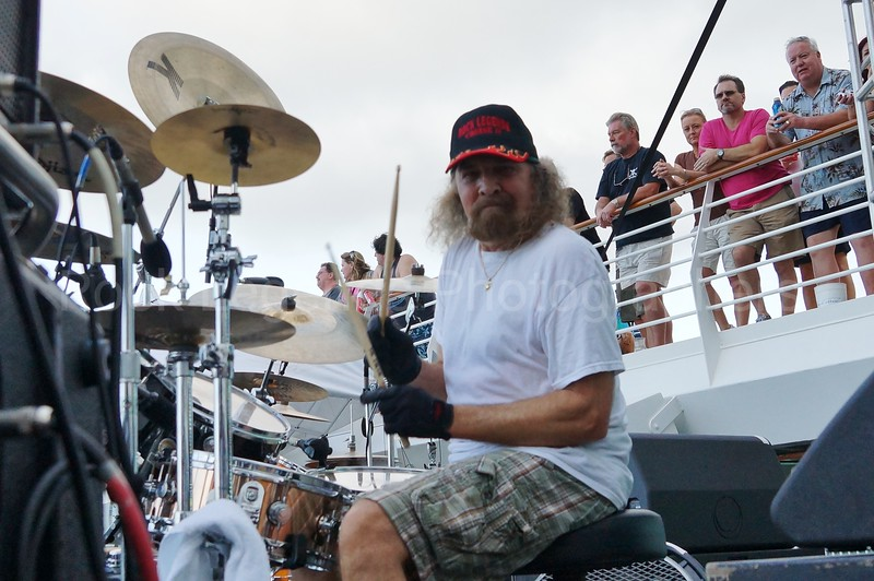 ARTIMUS PYLE PHOTOS ROCK LEGENDS CRUISES