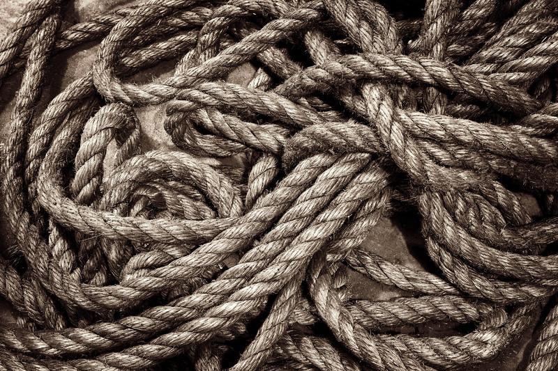 2011-05-14 Rope Denman black and white topaz 5944.jpg