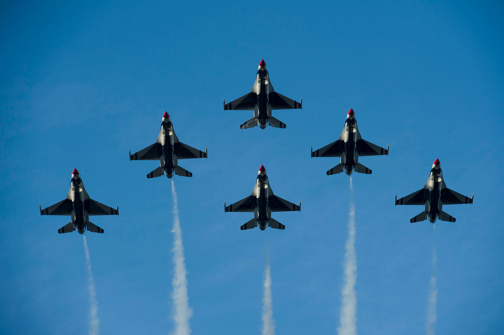 . United States Air Force Thunderbirds Flyover during 2014 Rose Parade in Pasadena, Calif. on January 1, 2014.  (Staff photo by Leo Jarzomb/ Pasadena Star-News)