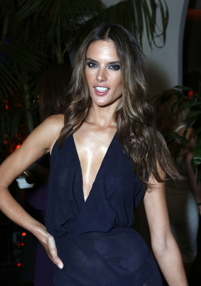Description of . Model Alessandra Ambrosio attends the Warner Music Group 2013 Grammy Celebration Presented By Mini at Chateau Marmont on February 10, 2013 in Los Angeles, California.  (Photo by Alexandra Wyman/Getty Images for Warner Music Group)