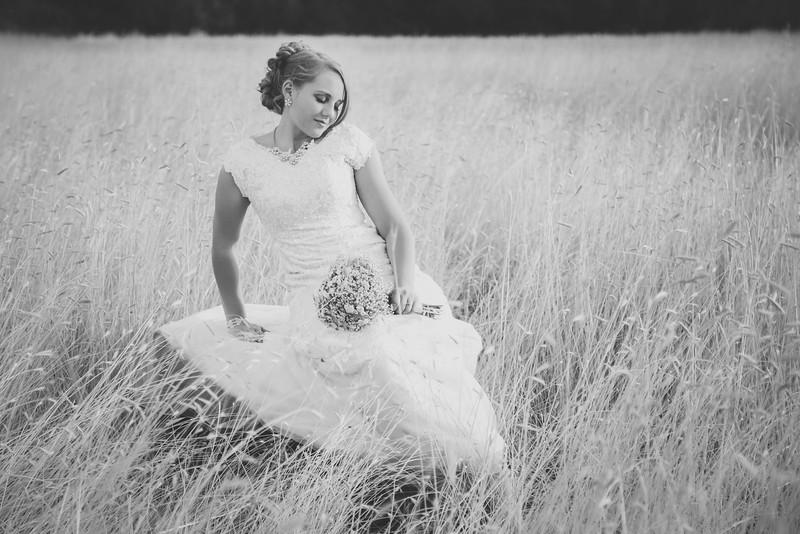Bridals-27BW.jpg