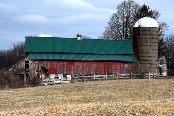 3/28/2018 Mike Orazzi | Staff A barn along North Harwinton Avenue in Plymouth Wednesday.